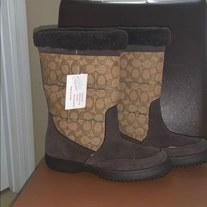 NWT coach Sherman Signature suede boots